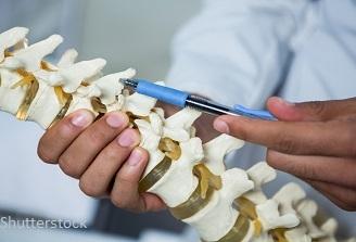 Elevii, tot mai afectați de problemele coloanei vertebrale
