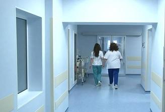 VIDEO Peste 100 de cadre medicale din spitalele ASSMB s-au mutat în locuințe de serviciu