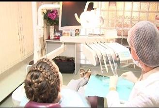 Specialist: Ingrijirea danturii incepe inca de la 6 luni, odata cu aparitia primului dinte