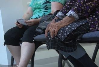 Speranta de viata in Romania a ajuns la 75 de ani, dar inca este cu aproape sase ani sub media UE