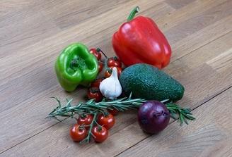 Studiu: O alimentatie sanatoasa poate stimula sanatatea osoasa si preveni fracturile in cazul femeilor aflate la menopauza