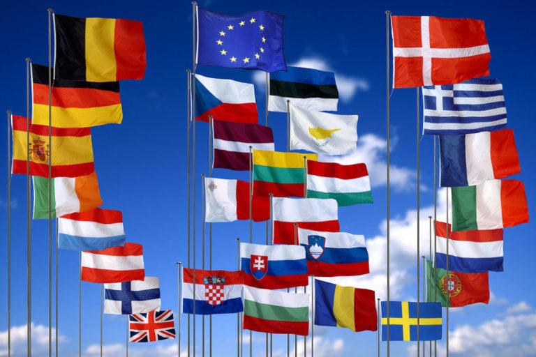 """Sondaj: Mai puţin de 50% dintre europeni, """"mulţumiţi"""" de acţiunile UE împotriva pandemiei COVID-19"""