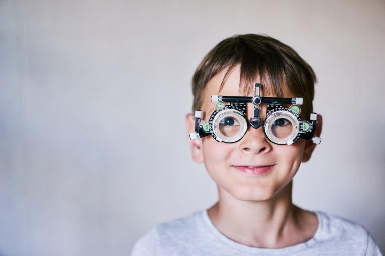Ajutor pentru ochelari pentru copiii din București
