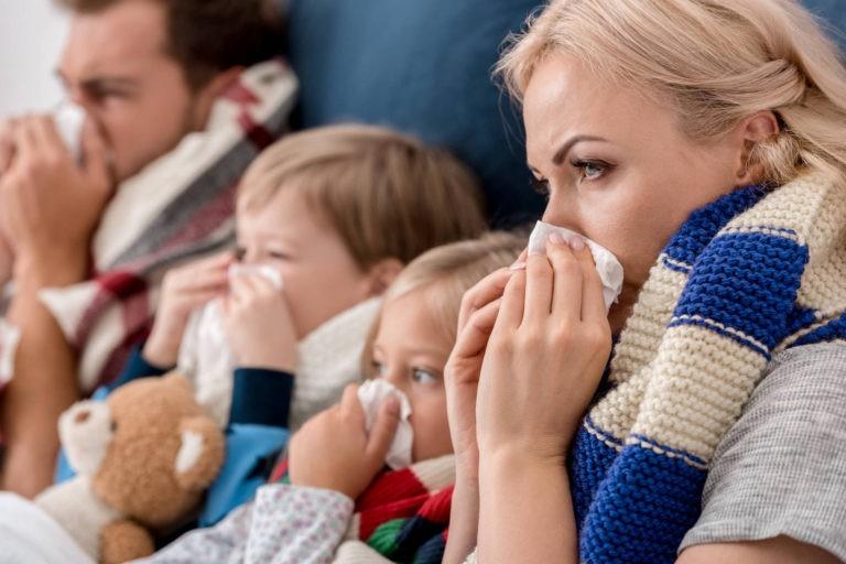 Prof. dr. Adrian Streinu-Cercel, mesaj pentru pacientii cu gripa:  Staţi acasa, sunaţi medicul de familie!