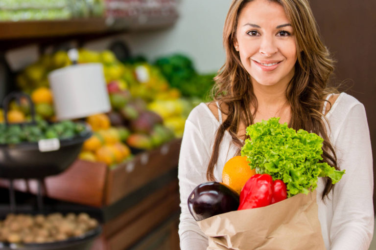 Copiii sunt mai dispusi sa manance legume şi fructe, daca vad in mod regulat imagini cu acestea – studiu