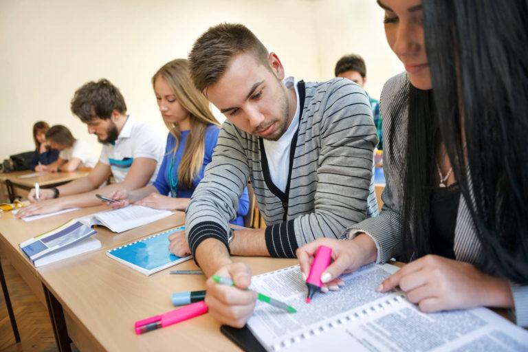 România are trei universități de medicină și farmacie în Topul World University Rankings 2021