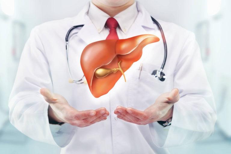 Pacientii cu hepatita C asteapta de cinci luni reinceperea tratamentului in programul interferon free