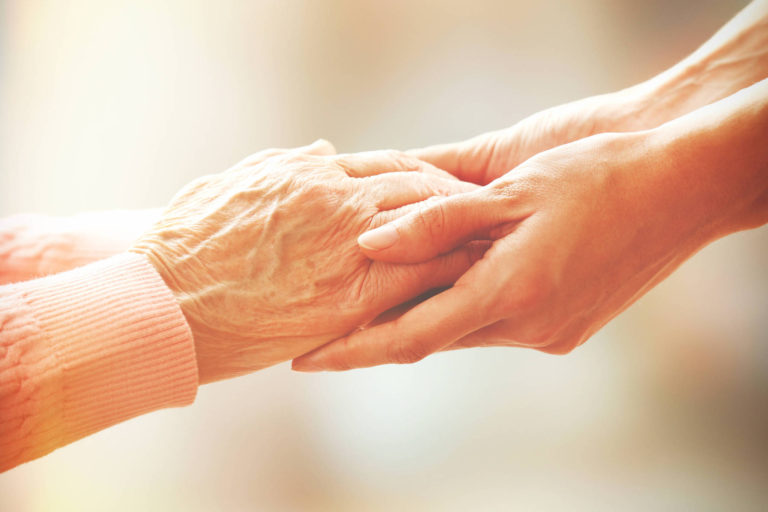 Recomandări pentru pacienții cronici: Cum sunt îngrijiți vârstnicii și persoanele cu dizabilități ?