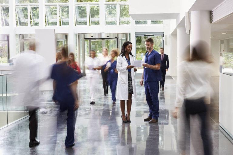 Infrastructura, tehnologii noisi acces la medicamente – asteptarile de la sistemul de Sanatate in 2020