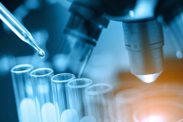 Studiu: Tratamentul AstraZeneca pe bază de anticorpi nu este eficient în prevenirea COVID la pacienţi expuşi
