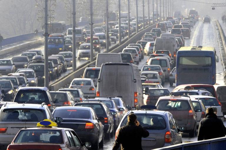 Particulele rezultate in urma franarii masinilor, periculoase pentru sanatate – studiu