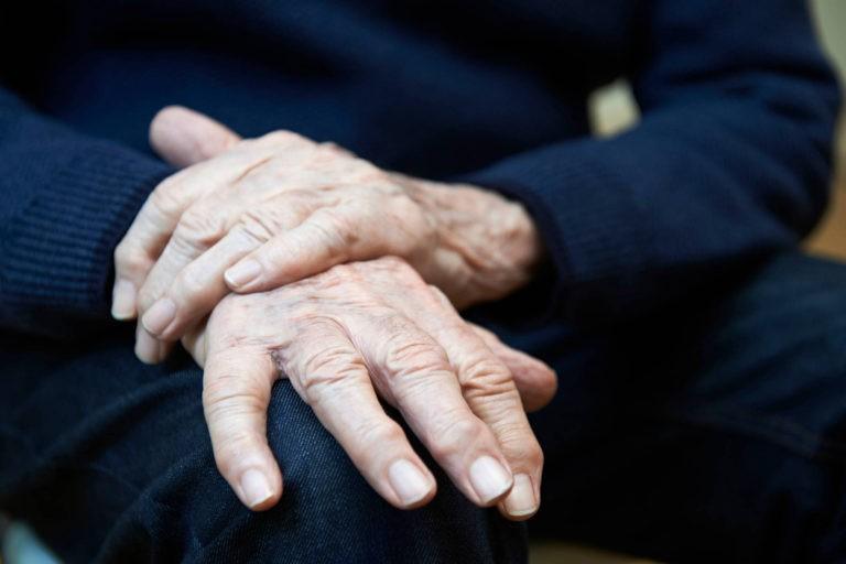 Boala Parkinson ar putea debuta inainte de nastere – studiu