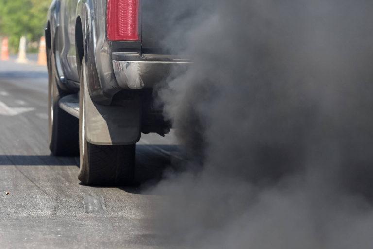 570.000 de decese in randul copiilor mici pot fi atribuite poluarii aeruluisi fumatului pasiv