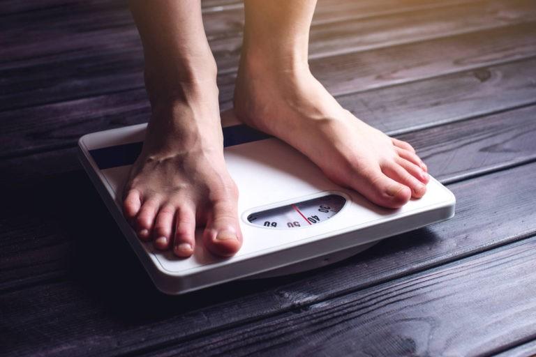 Renuntati la dietele-minune in 2020, este sfatul directorului medical al sistemul de asistenta medicala de stat din Marea Britanie