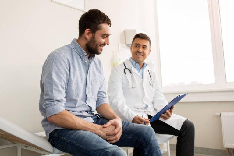 Medicii de familie incluși de Senat în lista beneficiarilor stimulentului de risc