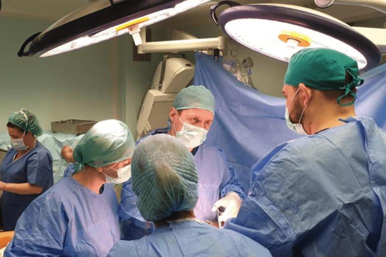 Inca trei destine salvate prin transplant de ficat şi rinichi, la Oradea