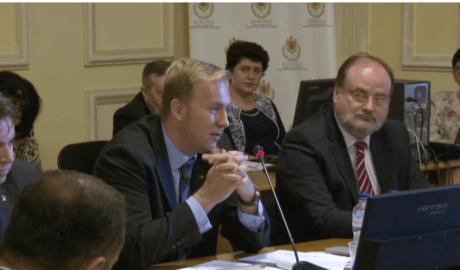 VIDEO Ministrul Victor Costache, audiat în Parlament 8