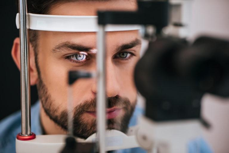 Prof. Dr. Călin Tătaru: Este important ca pacienții să își continue vizitele la medicul oftalmolog