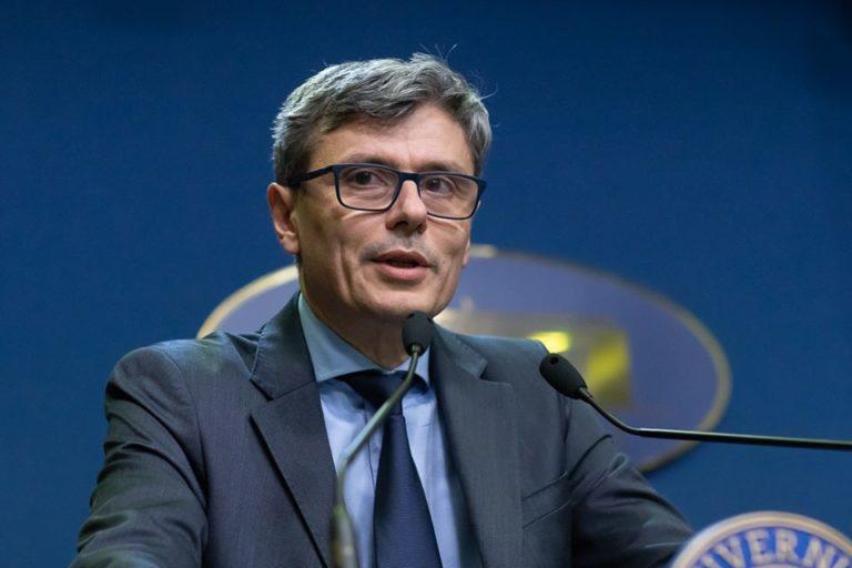 Ministrul Economiei: Producţia de ventilatoare ar putea începe în câteva săptămâni
