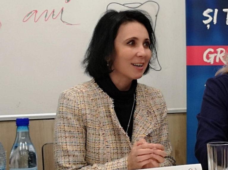 Turkes Ablachim: De-a lungul istoriei, asistentele au reprezentat linia întâi împotriva bolilor