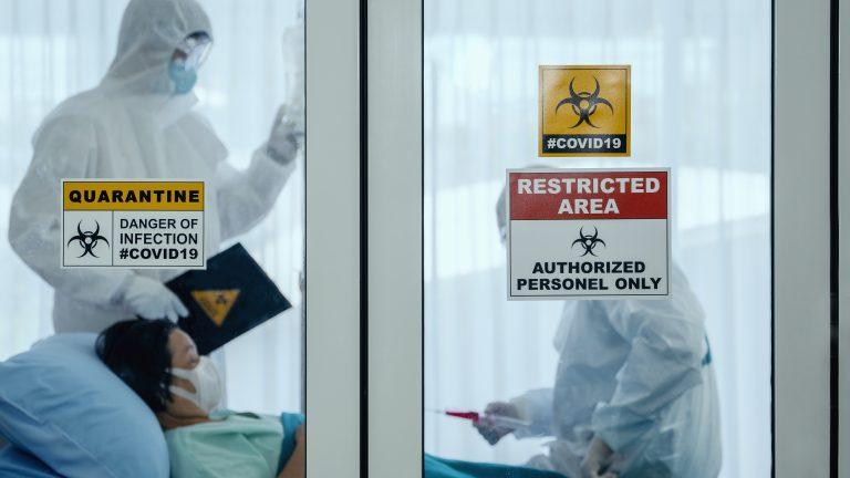 Timiș: Doi pacienți tratați simultan, de 10 zile, pentru tuberculoză, formă sensibilă, și COVID-19