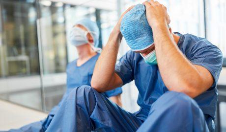 Încă un medic a murit din cauza COVID-19