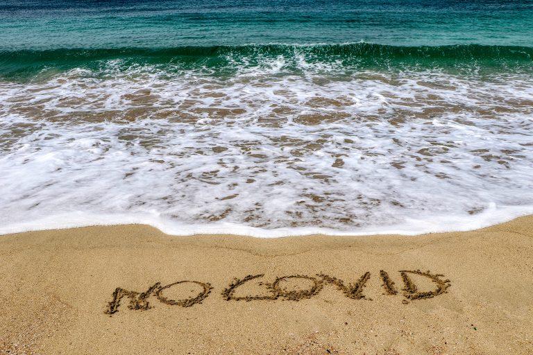 Reguli stabilite de Guvern și pentru cei care merg la plajă în zonele fără șezlonguri