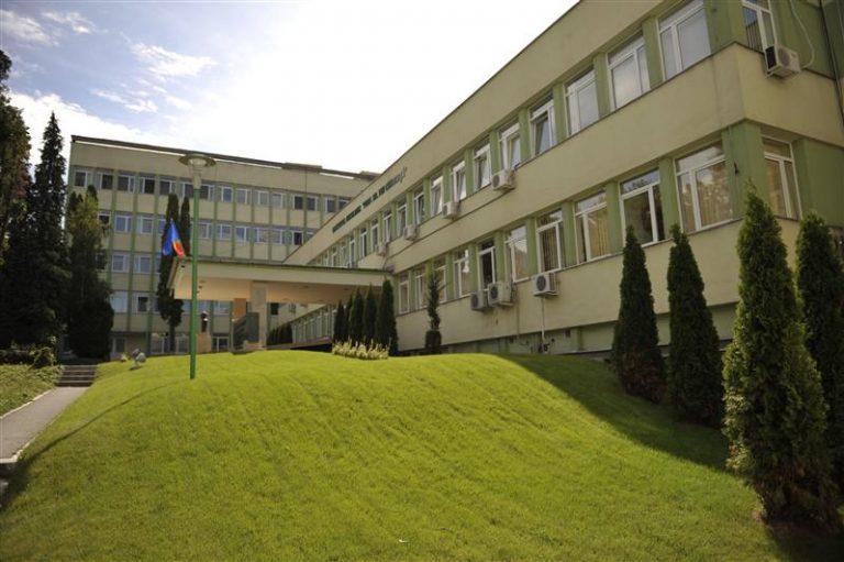 Cozi de sute de persoane, zilnic, la Institutul Oncologic din Cluj-Napoca