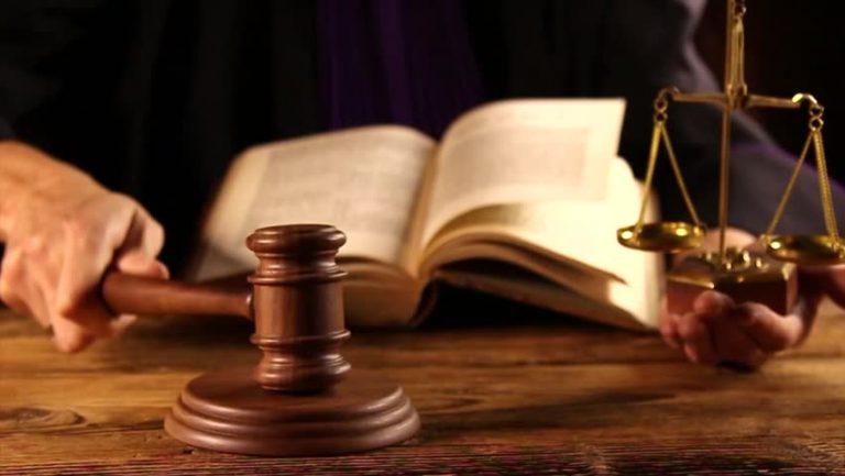 DNA: Prof. Irinel Popescu și Vasile Ciurchea, trimiși în judecată pentru luare de mită și abuz în serviciu