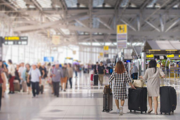 Se elimină măsurile de carantină/izolare pentru persoanele care intră în România din 17 țări