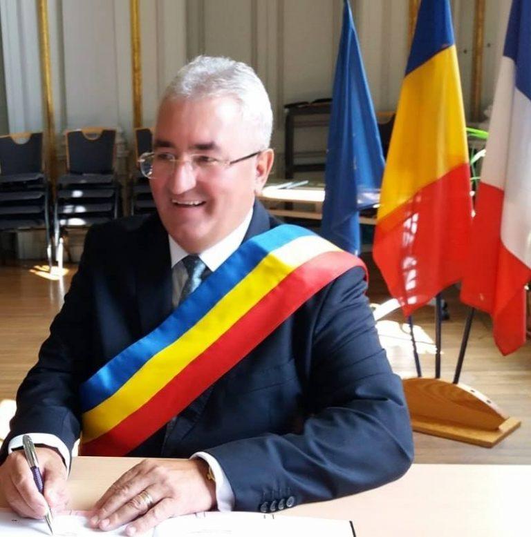 Primarul din Suceava ia în calcul purtarea obligatorie a măștii pe stradă
