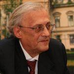 Prof.Astărăstoae: Medicii trebuie să se întrebe care este explicația numărului mare de personal infectat