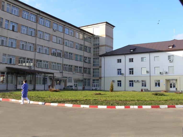 Un spital care deservește 100.000 de persoane, transformat în spital COVID în doar trei zile