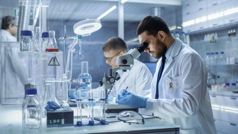 Studiu: Cât durează anticorpii generaţi ca răspuns la o infecţie cu SARS-CoV-2