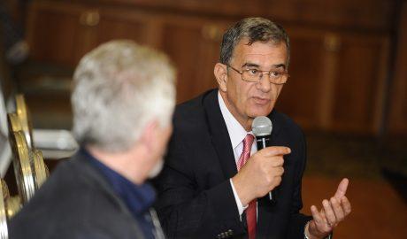 Conf. Univ. Dr. Dănuț Isacoff, șeful Disciplinei de Medicină Internă din cadrul Spitalului Colțea, a decedat