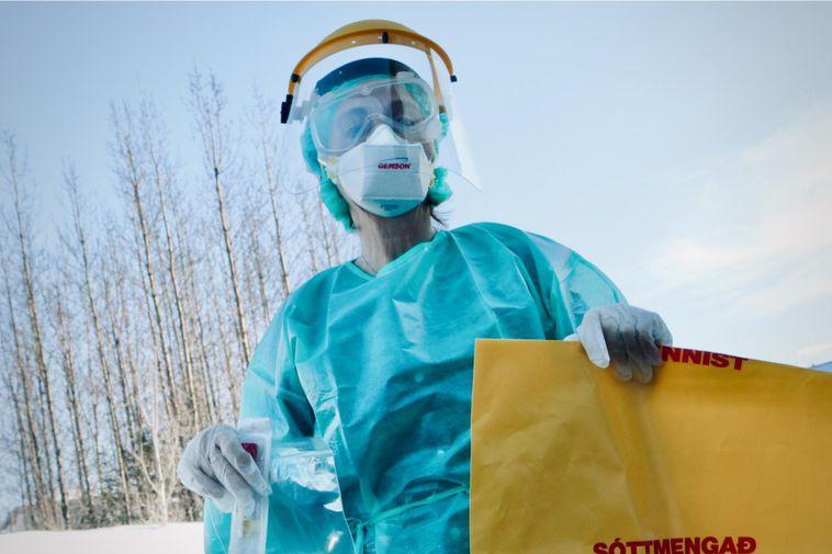 Coronavirus România: Peste 1.200 de bolnavi sunt la ATI. Aproape 200 de persoane au decedat într-o singură zi
