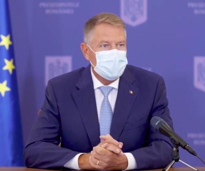 Klaus Iohannis, ședință de lucru cu miniștrii Sănătății și Educației, privind începerea noului an școlar