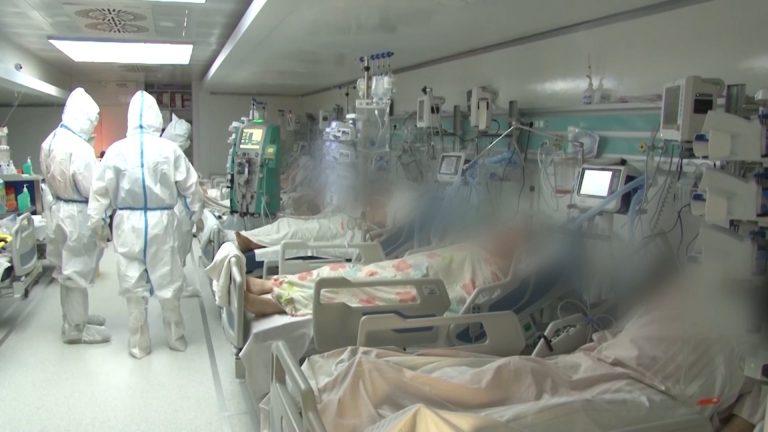 Medic ATI COVID:Foarte mulţi pacienți ajung cu depresie.Un atac de panică duce la insuficienţă respiratorie