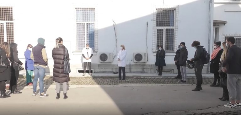 VIDEO 20 de studenți voluntari s-au alăturat medicilor din prima linie de la Institutul Marius Nasta