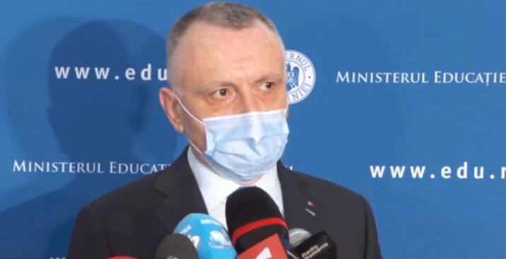 Ministrul Educației: Nu vor fi restricții pentru cei nevaccinați, însă vor fi avantaje pentru cei vaccinați