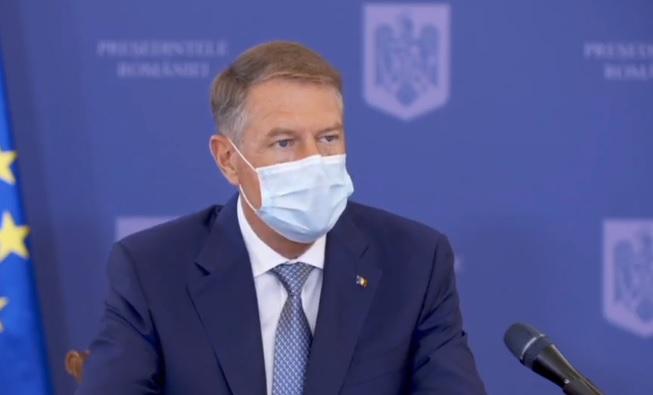 Iohannis, după vizita la centrul drive-thru din București: Imunizarea, singura cale de ieşire din pandemie