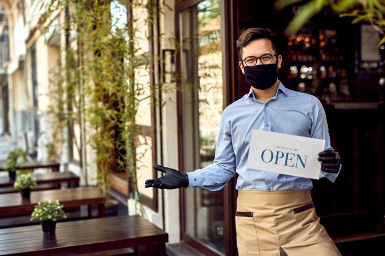 Premierul Cîțu, despre deschiderea restaurantelor la capacitate maximă pentru persoanele vaccinate anti-COVID