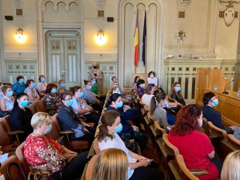 Craiova: Ioana Mihăilă, întâlnire cu echipa de asistență medicală comunitară