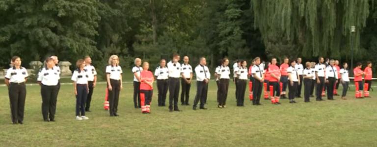 Președintele Klaus Iohannis a decorat 45 de medici şi asistenţi medicali de Ziua Naţională a Ambulanţei